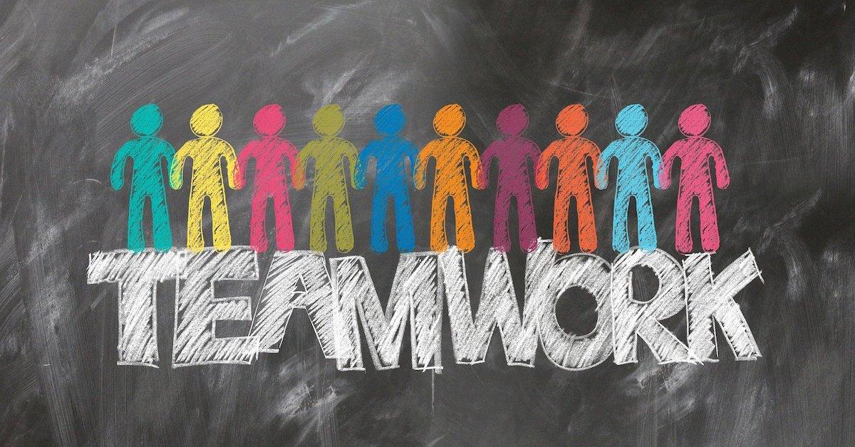 disegni di persone con teamwork