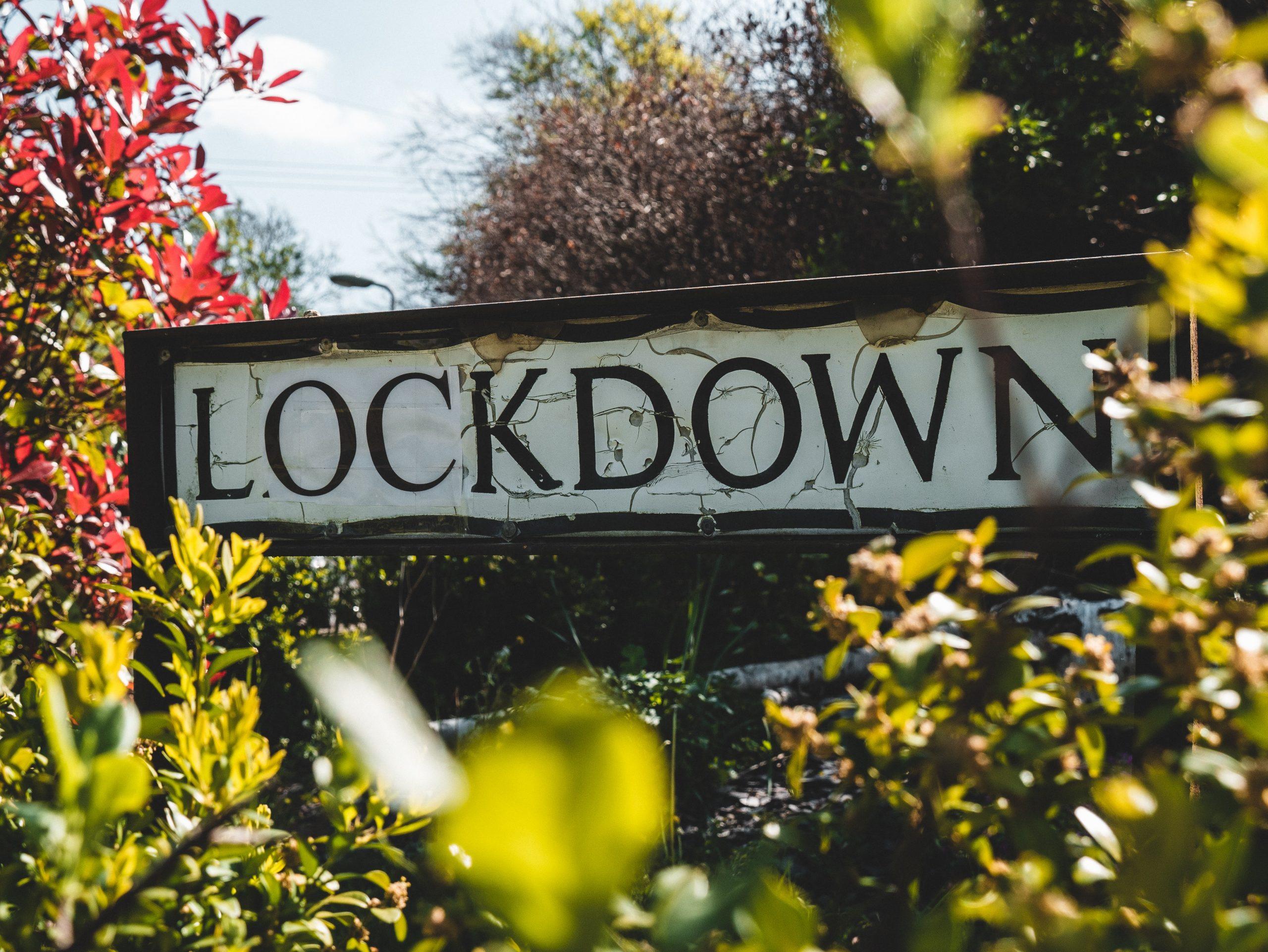 scritta lockdown