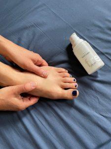 piedi secchi screpolati